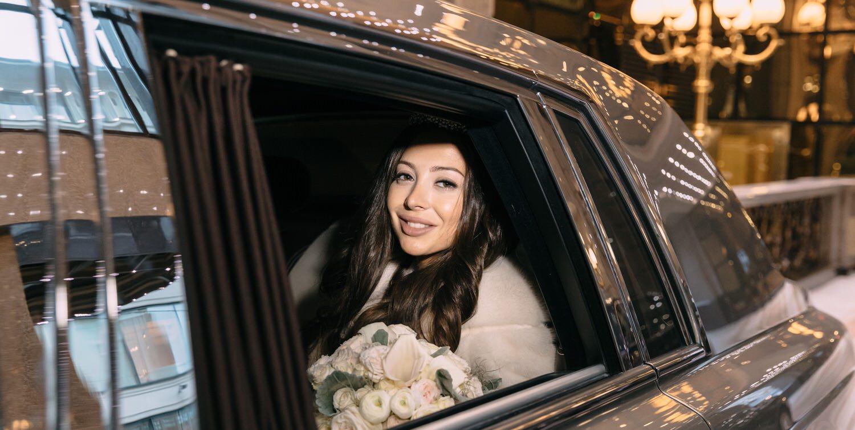 номер для молодоженов St Regis Никольская, свадебная фотосессия в гостинице в Москве